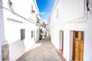 Calle Comendador en el centro de Tarifa